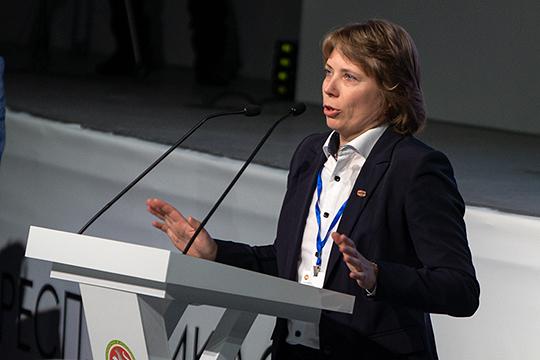 По словам Марии Жарковой, не отвеченным остается самый главный вопрос о необходимости маркировки, ведь она вводится для борьбы с контрафактом, доля которого на молочном рынке России оценивается в 0,01%
