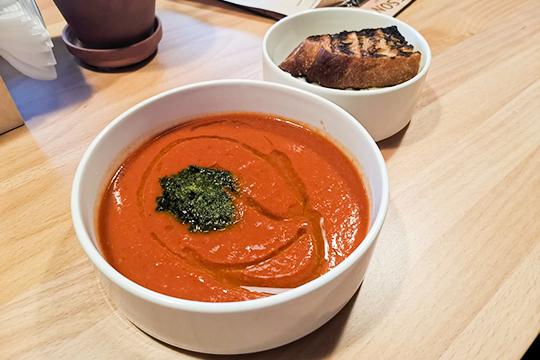 Суп томатный ссырным сэндвичем