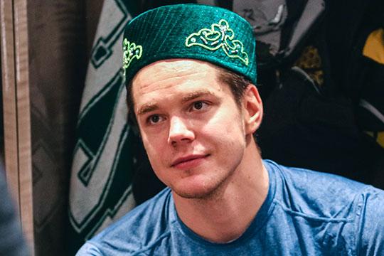 В нынешнем сезоне на счету Галимова 15 заброшенных шайб — 14 в регулярном чемпионате и еще одна в плей-офф (второй показатель в «Ак Барсе», больше только у Станислава Галиева — 16)