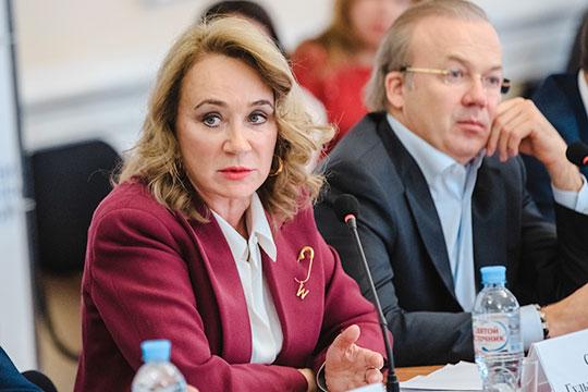 Также, по слухам, в списке потенциальных претендентов на место главы ЦИК была исполнительный сопредседатель АНО «Центр общественных процедур «Бизнес против коррупции» Гульнара Сергеева