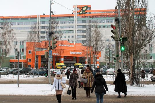 «Казань как точку получения медицинской помощи стратегически уже сегодня стоит рассматривать на как город в пределах нынешних границ, а как Казанскую агломерацию», — намекнул на наплыв пациентов Жаворонков