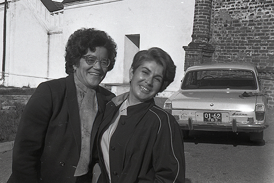 «Когда я села за руль, а это конец 1970-х годов прошлого века, в Казани нас было трое: Нина Ильинична Жиганова (супруга композитора Назиба Жиганова), одна таксистка и я. У них были «Волги», а у меня «шестерка» «Жигули»