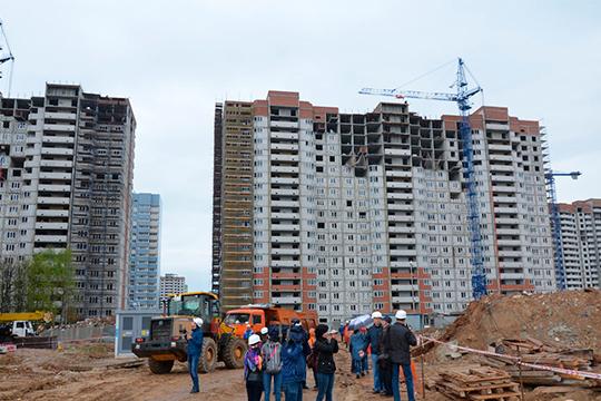 «Задача ввода жилья нестоль сложная. Она сложная, ведь когда мыстроим жилье, надо строить садик, школу, поликлинику, нужна инфраструктура, тепло, газ, электроэнергия»