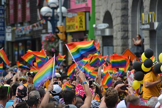 «Феминизм— это часть движения, вкоторое входит иЛГБТ-сообщество, издесь речь уже идет неозащите прав женщин, аореволюционной философии, где гендерное равенство— это бунт против богоданной природы человека»