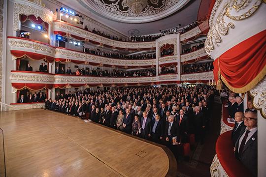 Весь культурный мир республики вновь будет сзавистью смотреть наТатарский театр оперы ибалета им.Джалиля, годом ранее получивший 60% отщедрого грантового пирога— 205,8млн из339млн рублей