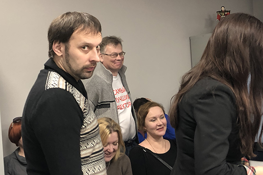 «Она вместе сБрысаевым (слева) иДьяконовым вывела денежные средства изгосконтракта уже после его завершения, тоестьзасроками предъявленного обвинения»,— объясняет Абдуллин