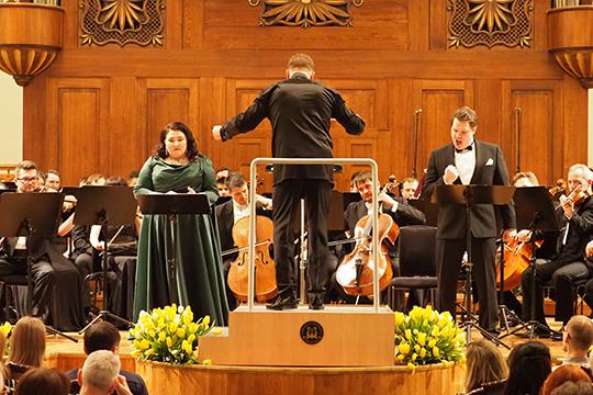 Для концертного исполнения шедевра Вагнера были приглашены довольно искушенные певцы
