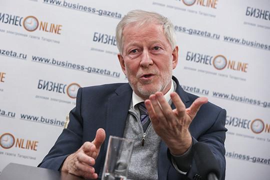Иван Грачев: «Впрошлый раз, когда цена нанефть дернулась, арубль упал с36 до60, они 200 миллиардов долларов потеряли. Просто так профукали, так как несмогли удержат рубль»