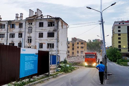 Снос целых кварталов, как в Москве, наверное, для Казани не актуален. У нас не настолько дорогой квадратный метр, чтобы мы могли перейти на такое освоение