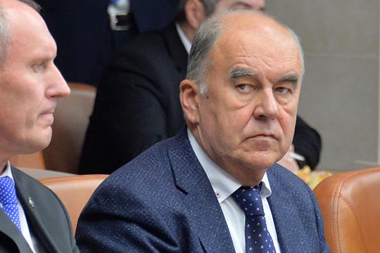 Неявился всуд инедавно переизбранный председатель торгово-промышленной палаты Татарстана, член попечительского совета Госжилфонда РТШамиль Агеев. Его допрашивали дважды, оба раза вапреле 2018 года