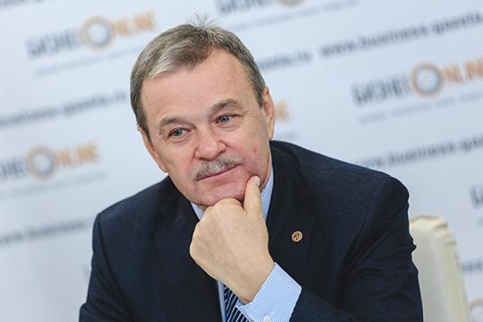Виктор Дьячков:«Нанас больше сказывается ненедостаток комплектующих, ато, что рубль стал другим. Ценовые параметры закладывались впрошлом году, ипоним сейчас никто неможет поставит»