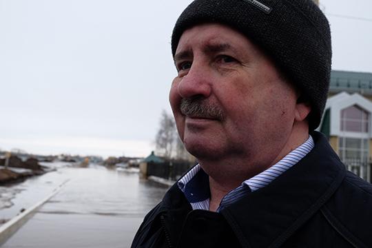Руководитель исполкома Столбищенского сельского поселенияВладимир Михеев, подчеркивает, что власти района вкурсе происходящего идаже приняли меры кустранению подтопления