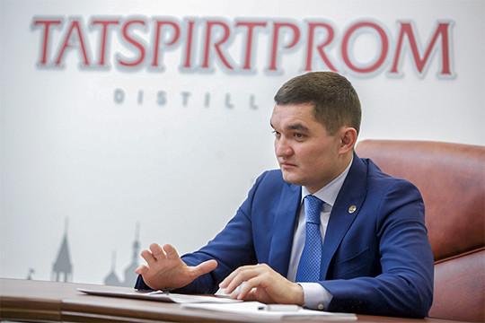 Заочень короткий срок Миннахметов вывел ТСП влидеры российского рынка, что принесло бюджету республики многомиллиардные акцизы