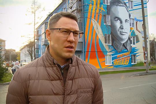Несколько экспертов предложили включить в рейтинг главу администрации Кировского и Московского районов Сергея Миронова