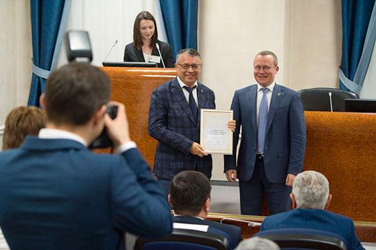 В Закамье эксперты отметили несколько персон, работающих в сфере ЖКХ. Это Ильдар Нуртдинов (слева) и Кирилл Пузырьков