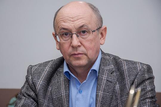 Представил интересы будущего резидента директор химзавода КарповаДамир Шамсин.ВМенделеевске надеются, что выходец из«Еврохима» будет активно расширять производство, исоздавать новую линейку продуктов