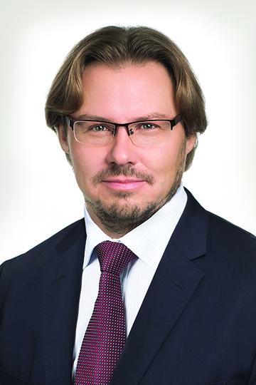 Илья Каленков:«Сегодня мыделаем акцент навысокоприбыльных направлениях, сознательно отказываемся отнизкомаржинальных бизнес-возможностей, ипостоянно расширяем портфель проектов, осваивая новые направления»