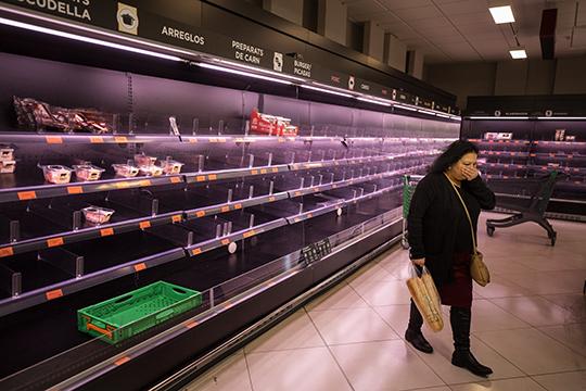 «Захожу после тренировки всупермаркет, анаполках ничего нет— люди раскупают овощи-фрукты»