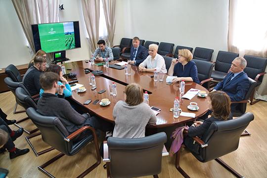 Светлана Барсукова:«Нас сегодня порядка 16 человек, значит, мысвами ненарушаем запрет насборы всвязи скарантином покоронавирусу»