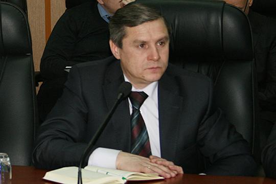 Ленар Зинатуллин— персона вТатарстане небезызвестная, с2010 по2013 год онвозглавлял госкомпанию «Татагролизинг», где против него такжезаводилось уголовное дело, позже закрытое