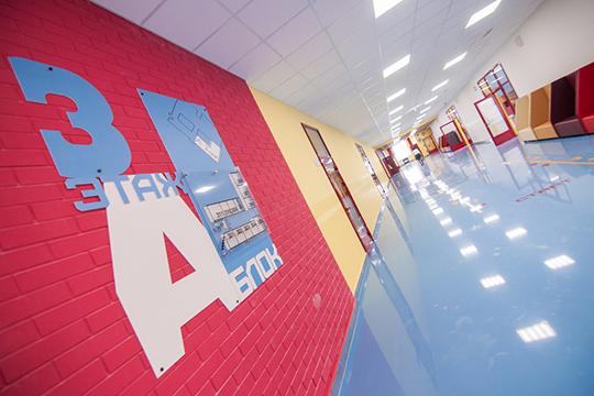 Школьники Татарстана сегодня досрочно ушли наканикулы, астуденты вузов перешли надистанционную форму обучения, как инекоторые работодатели