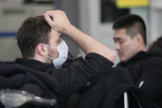 «Сгриппом все просто: кто-то навас чихнул, иесть шансы заболеть. Апри коронавирусе даже чихать ненадо, достаточно просто потрогать томесто, которого коснулся больной»