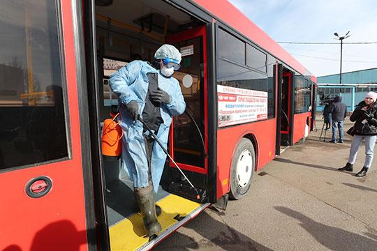 «Студентов, школьников, туристов нет»: перевозчики Казани просят сократить число автобусов