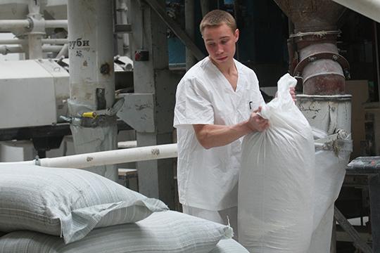ВТатарстане, поданным минсельхозпрода РТ, в2019 году компании произвели вобщей сложности около 233тыс. тонн муки. Крупнейшим производителем муки вТатарстане является ООО«Казанская Мельница»
