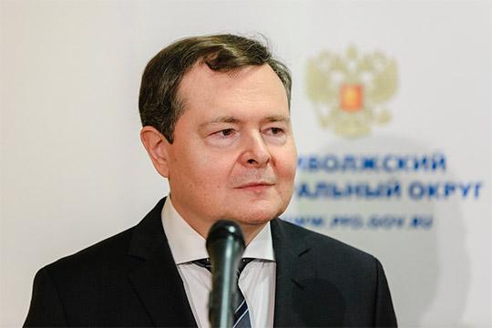 58-летний Виктор Демидов родился вЕлабуге. Онодин изпредставителей влиятельного вреспублике рода Демидовых