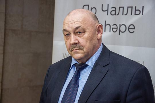Пословам Халимова, наэтой неделе исполком соберет отряд волонтеров, которым предстоит обеспечивать одиноких пенсионеров продуктами