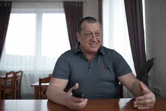Владимир Осташко:«Ябыл ввосторге оттак называемой одноэтажной Америки, атакже оттехнологий строительства ихдомов. Деревянный или металлический каркас— быстро икачественно»
