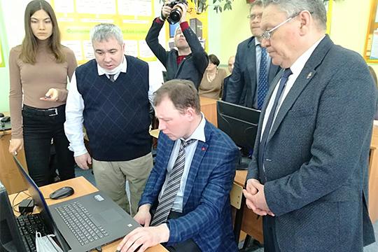 Рафис Бурганов: «Сказать, что наши школы не готовы к «дистанционке», я не могу»