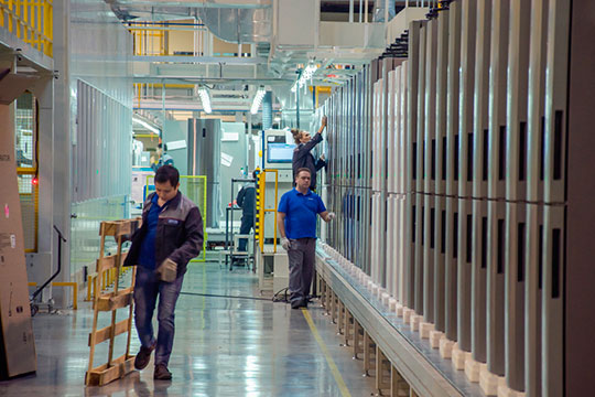 «Завод холодильников Haier в Набережных Челнах отличается высокой степенью локализации. Большинство работников, включая управленческий персонал, являются местными жителями»
