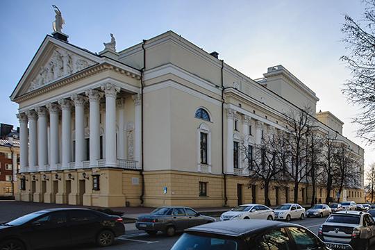 Интересно, что едва ли не единственным казанским театром, который не делает в нынешней ситуации ничего для своих зрителей, оказался театр им. Джалиля