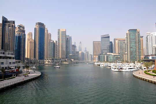 «Арабские Эмираты внезапно закрыли страну для иностранцев. Выехать тоже нельзя. Там застряли тысячи наших туристов»