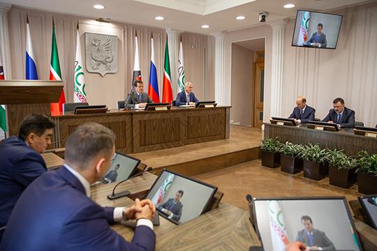 Сегодня вместо делового понедельника висполкоме Казани прошел штаб попротиводействию коронавирусной инфекции