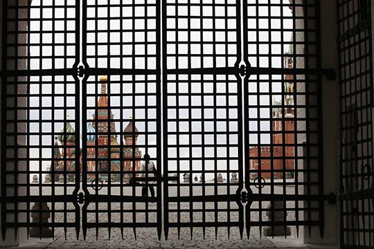 «Москва— это самый космополитичный российский город ссамым большим количеством внешних связей. Естественно, вМоскве все жестче иэто абсолютно правильно»