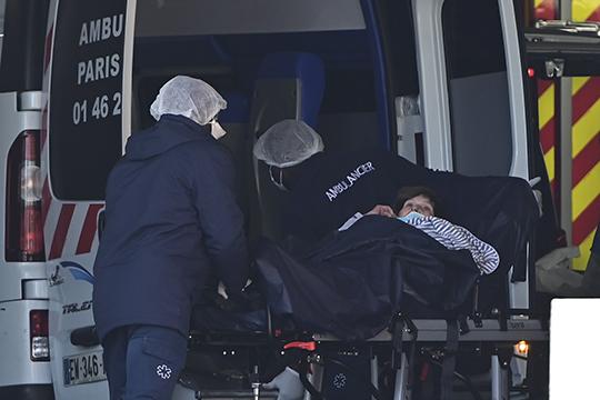 Ситуация вИталии, Испании, Франции выглядит странной, учитывая ихразвитую медицину. Уменя, как увирусолога, возникает впечатление, что там, возможно, отличающийся вариант вируса преобладает