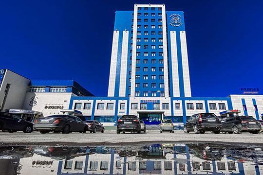 Земельный участок небольшой, зато высота строительства здесь, на Ямашева, не ограничена — можно отстроить хоть вторую «Паравитту», которая, напомним, высотой в 16 этажей