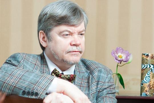 Владимир Кольцов:«Лето— тяжелое время для концертной деятельности. Народ весь надачах, напляжах, нарыбалке, накурортах. Заманить его вдушный концертный зал— занятие почти безнадежное»