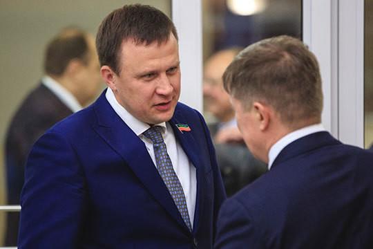 44-летний Руслан Юсупов — бизнесмен, занимается регулярными перевозками пассажиров в Казани. Компания Юсупова «Байлык №3» обслуживает 11 и 43 автобусные маршруты