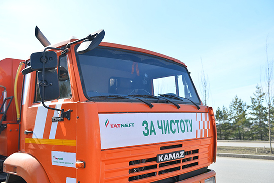 Коммунальная техника «Татнефти» будет очищать городские улицы идворы круглосуточно