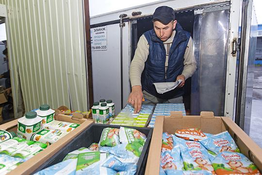 «Язанимаюсь дистрибьюторикой, например, обслуживаю Татарстан молочной продукцией. Поэтому нам вообще останавливаться нельзя»
