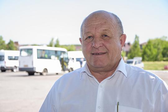 Николай Тятюшкин:«Вобычное время унас налинии 350 автобусов, сейчас порядка 170. Водителям, которым больше 65 лет, дети запрещают выходить наработу»