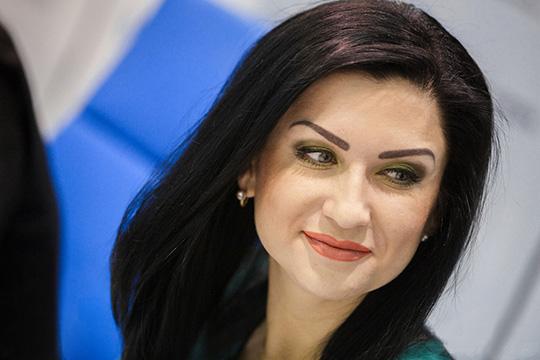 Ильсия Бадретдинова— известная татарская певица, которую часто называют главной бунтаркой нанациональной эстраде