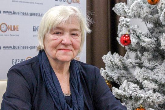 Людмила Блинова:«Для многих родителей сейчас настали непростые времена. Иречь даже неотом, что кто-то остался без работы или вынужден работать издома. Многие извас остались один наодин сосвоими детьми»