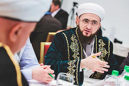 Единственное исключение изрелигиозных мусульманских деятелей Татарстана вэтом плане составляет муфтий ДУМ РТКамиль хазрат Самигуллин, который уже непервый год совершает итикаф впоследней декаде рамадана