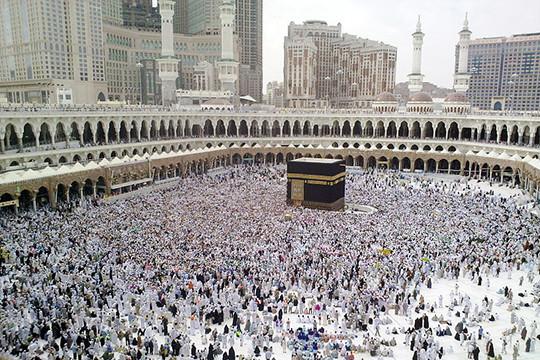 Впотоке событий последних дней, посвященных коронавирусу иценам нанефть, осталась незамеченной сенсационнаяновостьоботмене предстоящего хаджа— паломничества ксвятым местам ислама