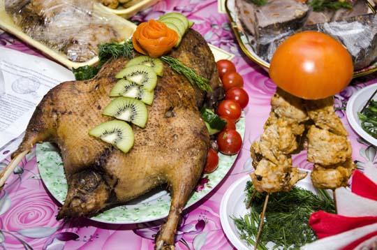 Питаясь тяжелой пищей, мызасоряем свой организм. Она очень долго переваривается, итонедоконца. Поэтому эти шлаки остаются вкрови, сосудах, клетках, жирах,организме