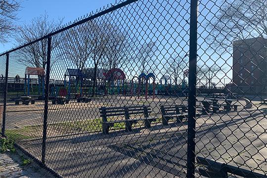 Все детские площадки закрыты